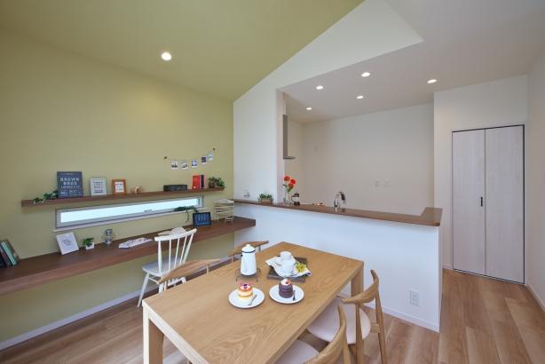 人気の対面キッチンは家族を見守りながら家事可能です。