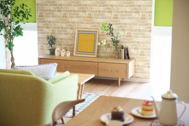 グリーンで統一された内装が爽やかなお家。