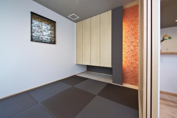 坊主畳を取り入れたオシャレな和室は急な来客時にも安心。