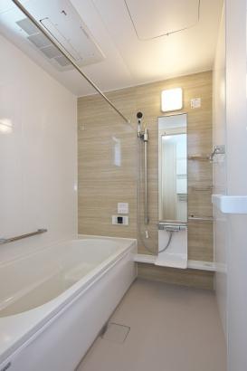浴室乾燥機付き浴室で雨の日も安心。