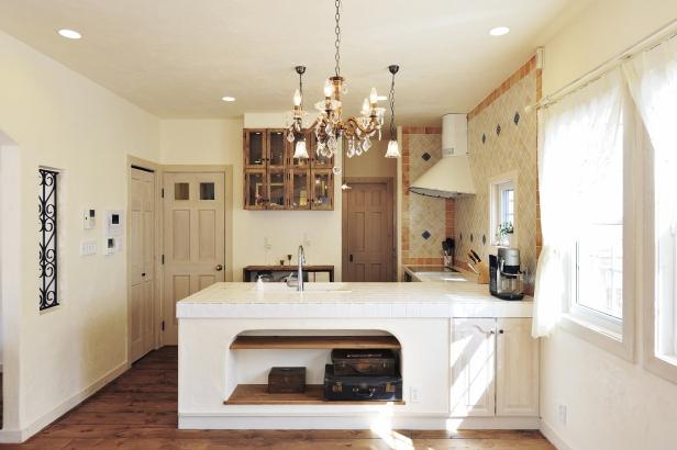 タイル天板の造作オリジナルキッチン