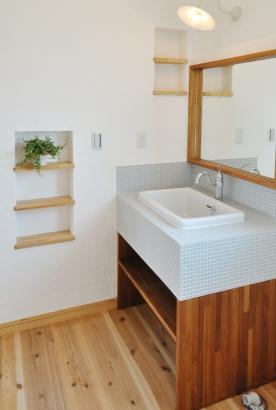 オリジナルアイテムがたくさん詰まった洗面スペース
