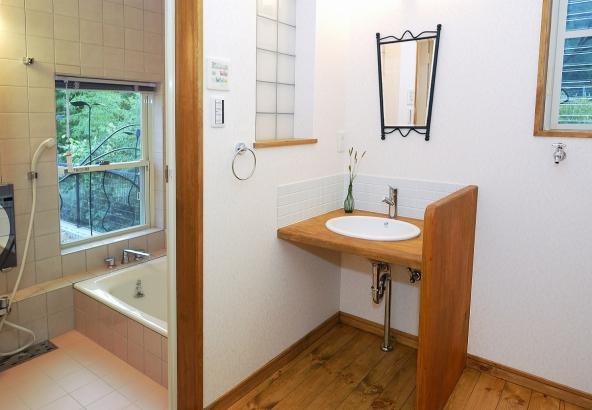 オリジナル仕様の浴室&洗面