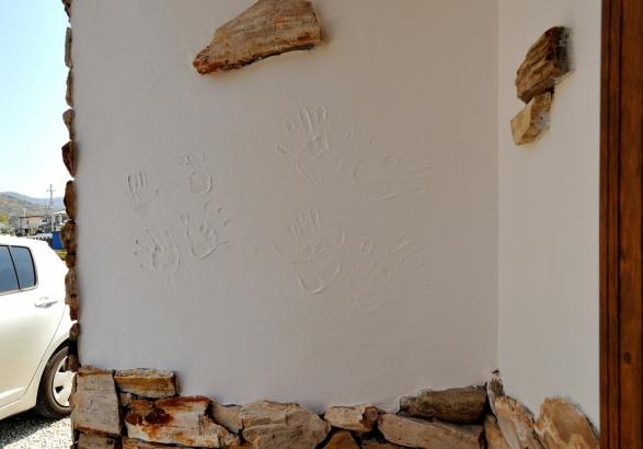 家族全員の手形を記念にした玄関