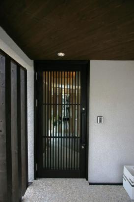 玄関格子戸