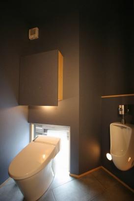 間接照明のトイレ
