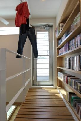 3階渡り廊下と勝手口