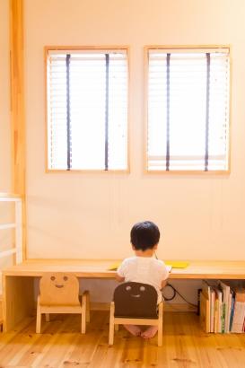 子どもの雰囲気が感じ取れる2階のサブリビング。