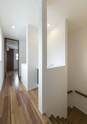 洗面コーナー併設の2階ホール