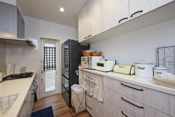 ホワイトで統一されたシンプルなキッチン