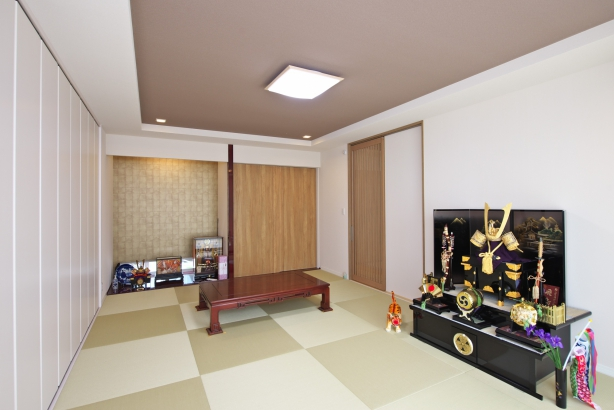 母屋と長男ファミリーの家をつなぐ和室