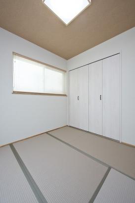 大容量の収納がある和室は急な来客時にも安心。