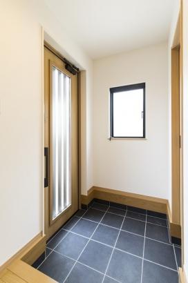 スッキリとした玄関。