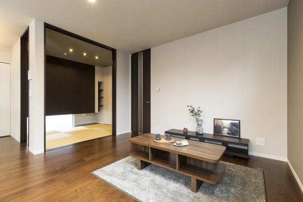 LDKと繋がる和室は扉を開けると約20帖もの大空間に。