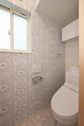 家計に嬉しい節水型のトイレ。