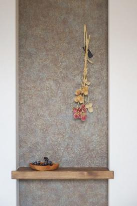 玄関ニッチにはお気に入りの雑貨を飾って「好き」に囲まれた空間に♪