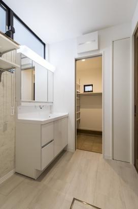 SIC⇔洗面所の動線で自然とお手洗習慣が身に付く環境です。