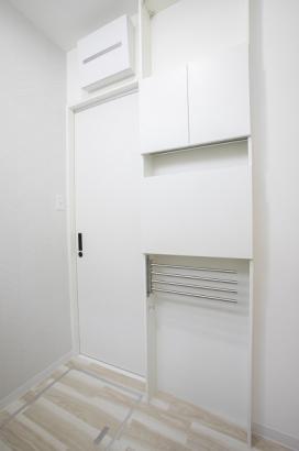 洗面所には便利な家事スペースが。