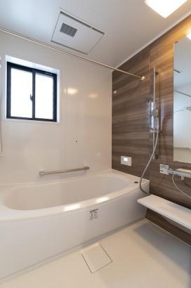 高断熱の浴槽を使用しているので、長時間経っても追い焚き無しで温かいお湯に入れます。
