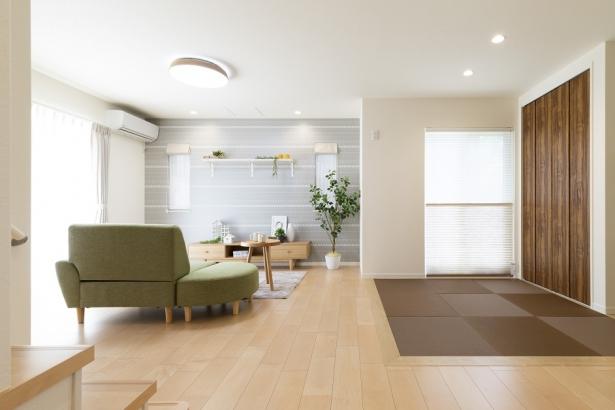 間仕切りの無い和室でお部屋全体が広く感じられます。