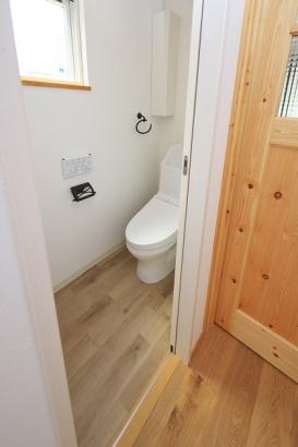 主婦に嬉しい節水型のトイレ。