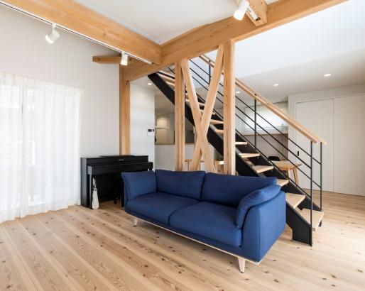 オープン階段とリビング