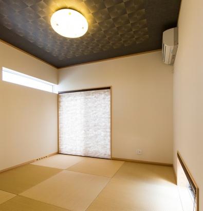 縁なし畳の和室