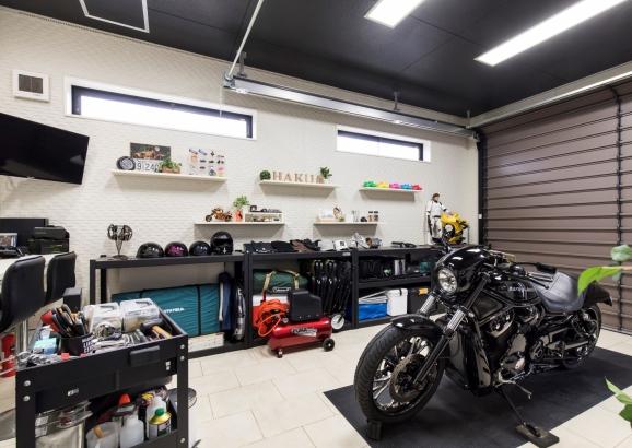 こだわりのインナーバイクガレージ
