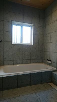 十和田石の浴室