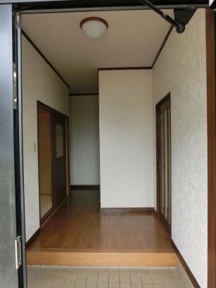 玄関Before