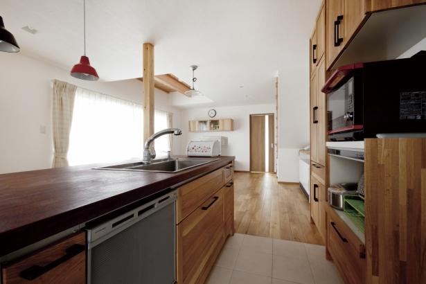 キッチン 木製天板 造作キッチン タイル床