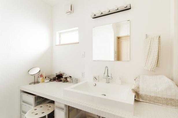 32坪 清潔感のある、シンプルな洗面台
