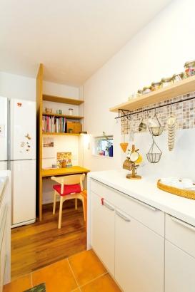 キッチン 作業台 パソコン 造作棚 収納