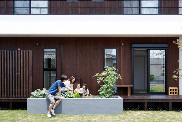30坪 2000万円 こだわりの菜園スペース お庭 自然素材