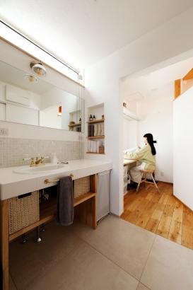 家事動線 洗面室 家事室 造作洗面台 おしゃれ 2000万円