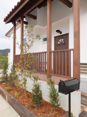 外観 木製ドア ナチュラル デッキ 柵