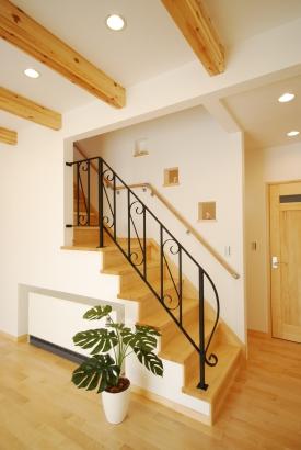 アイアン手すりがおしゃれなリビング階段