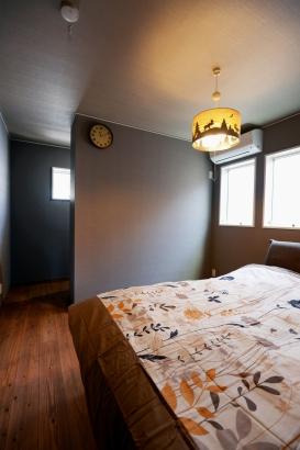 2階寝室 奥はウォークインクローゼット