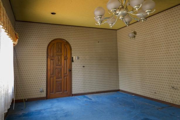 ビフォー 1階応接室 桜の建具はご主人の思い出が詰まっててそのまま再利用しました。