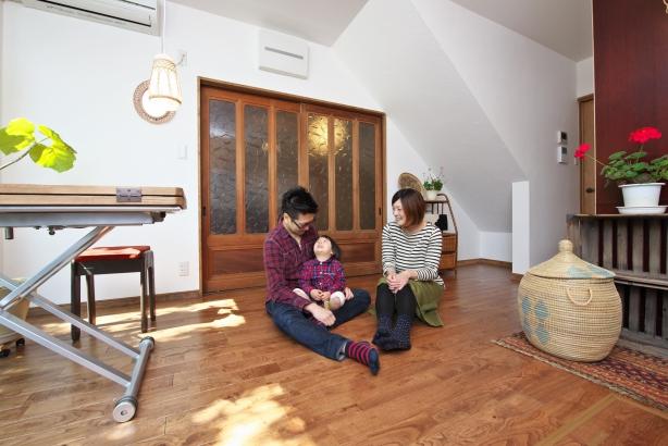 ビフォー ダイニングキッチン 栗の床材を使いました。