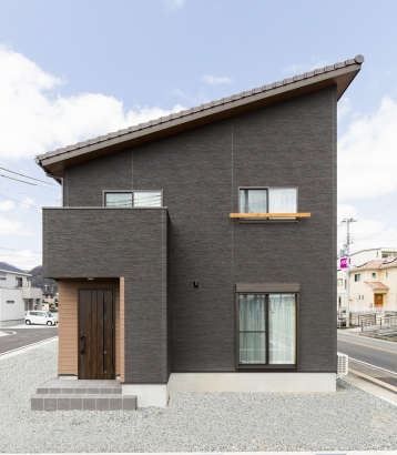 27坪 ちょっと面白い自然素材の家