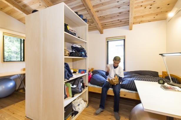 家具で間仕切る子供室
