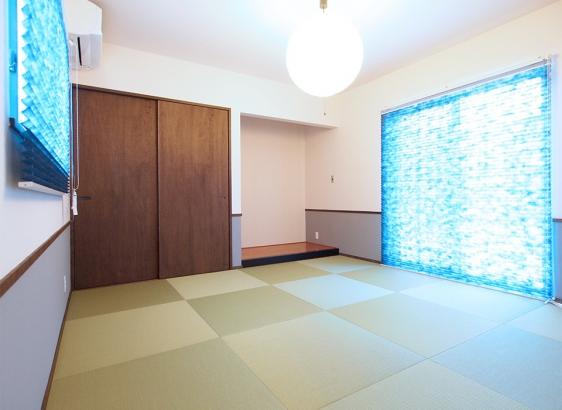広々8帖の和室。家の雰囲気に合わせて建具も木製です。