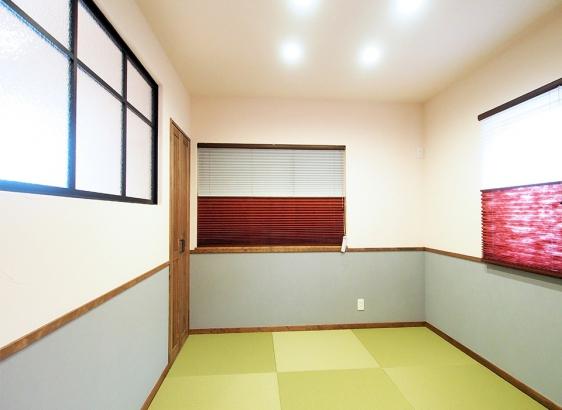 和室も塗り壁やカーテンの配色にこだわりました