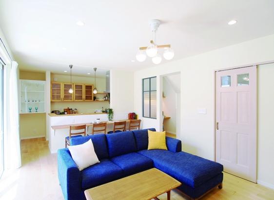 家具や照明も全てアレッタでトータルコーディネート