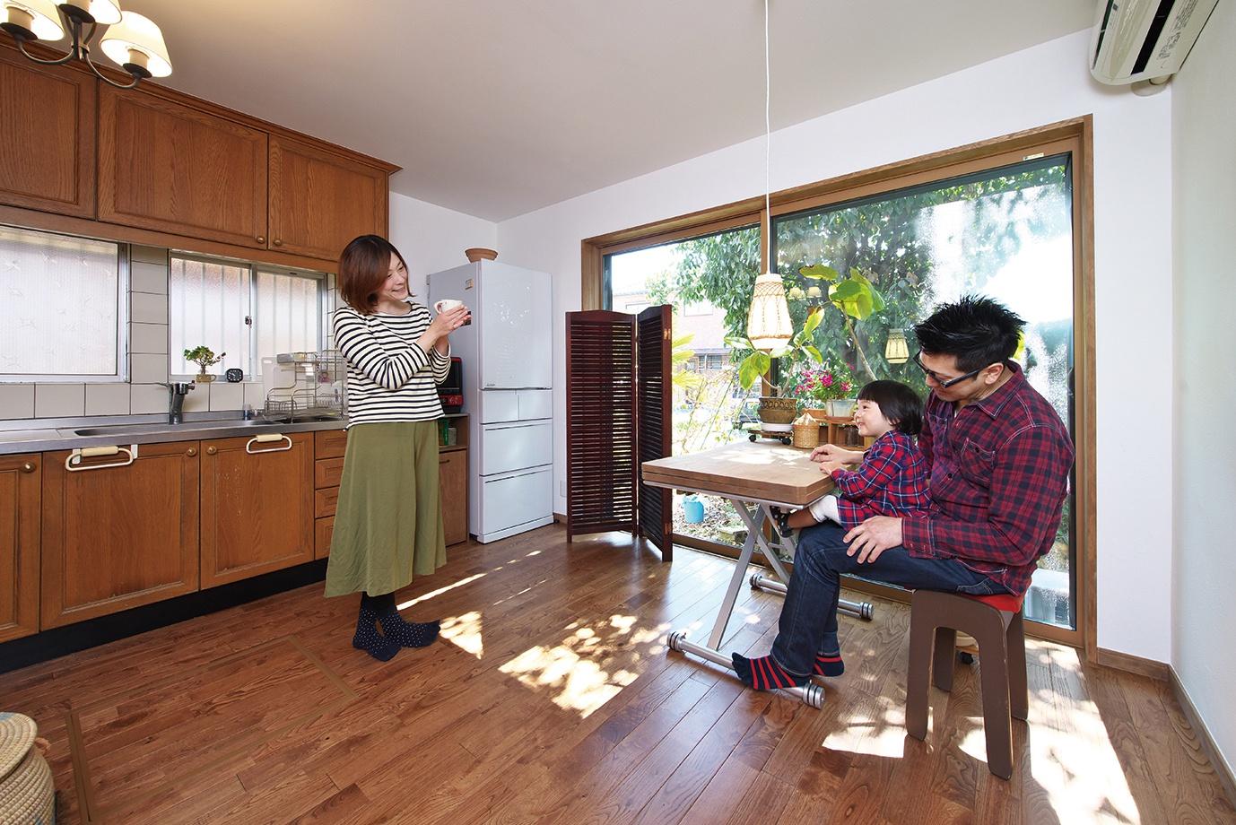 床下、屋根裏には吹付断熱材アイシネンを採用